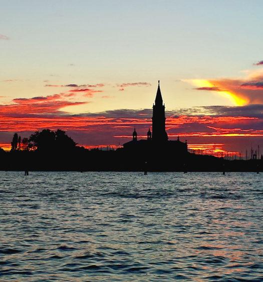 Aperitivo a Venezia al tramonto
