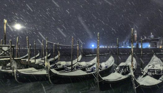 Città imbiancata e laguna gelata: lo spettacolo della neve a Venezia
