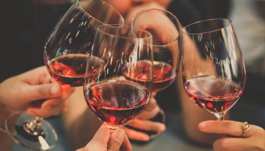 I benefici del vino, la bevanda che non può mancare sulle tavole venete