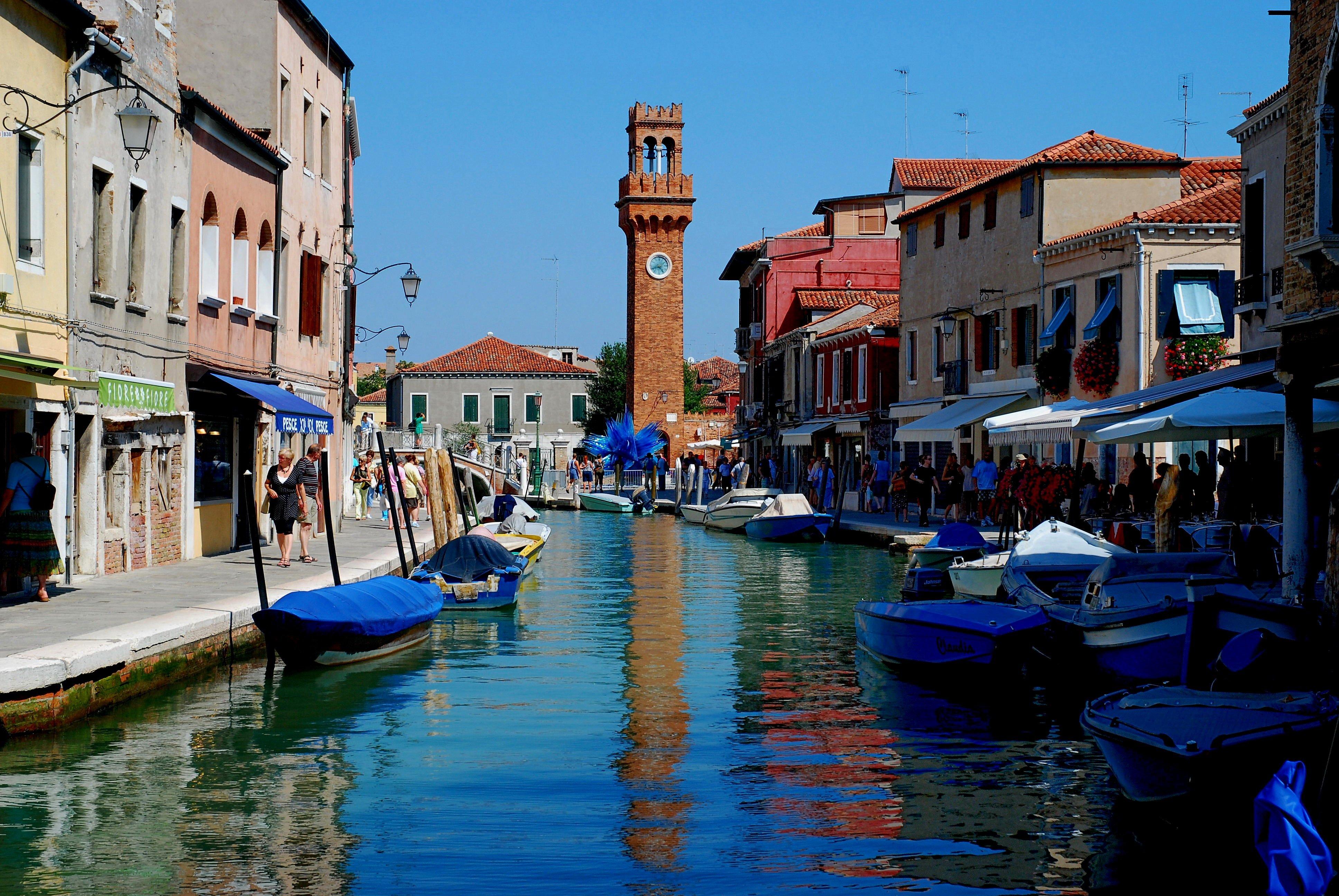 Tour delle isole mangiare a murano mangiare bene venezia for Una decorazione e formata da cinque rombi simili